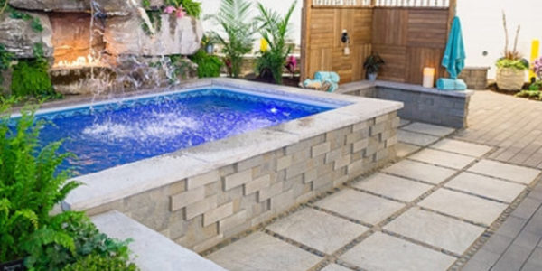 pool-small-rectangle-seats-wall-jmt-landscapes-patio-paver-landscapers-builder-contractor-unilock-belgard-techo-bloc-natural-stone