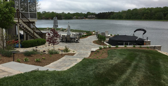 walkway-dock-wall-lake5-jmt-landscapes-patio-paver-landscapers-builder-contractor-unilock-belgard-techo-bloc-natural-stone