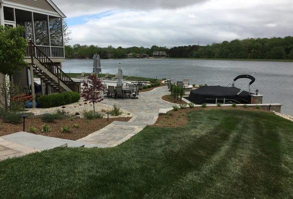 walkway-dock-wall-lake5-jmt-landscapes-patio-paver-landscapers-builder-contractor-unilock-belgard-techo-bloc-natural-stone